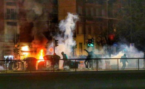Torino assaltata dai centri sociali